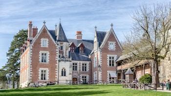 Photography tour of Château Clos Lucé