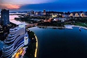 Xiamen Half-Day Tour to Experience Tuina Massage and A Scenic Night Cruise