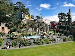 PORTMEIRION, CASTLES AND SNOWDONIA TOUR