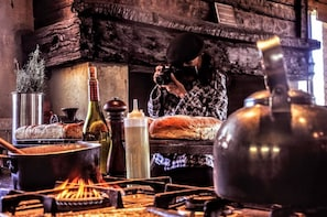 Asado cooking class and dinner in Mendoza city