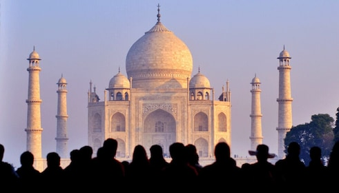 Private day tour from Delhi to Agra