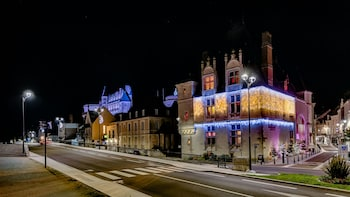 Christmas Walking Photography Tour of Amboise