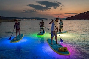 Night Glow SUP or Kayak Tour in Orlando