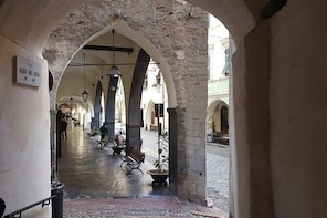 TAGGIA & THE TAGGIASCA OLIVE - The ancient Dominican Convent and the Mediev...