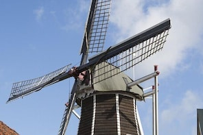 Windmills, Bakeries and Ghosts: Explore Hattem's history on a walking audio...