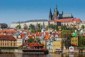 Full-Day Private Trip from Bratislava to Prague