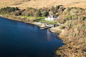 Beginners:Salmon/Sea Trout fly fishing lesson.Kylemore lake.Guided.Half/Ful...
