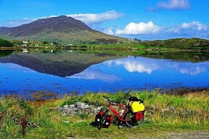 Shore Excursion: Self-Guided Wild Atlantic Way Biking Tour from Clifden